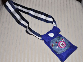 phone bag with ribbon