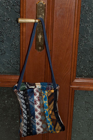 tie bag with handle