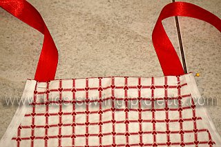 apron straps