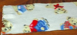 make a fleece scarf